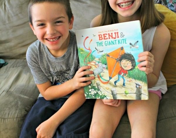 BENJI AND THE GIANT KITE Book Review and a Paper Kite Craft!