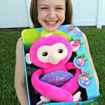 Check Out Fingerlings HUGS and Our New Friend Bella!