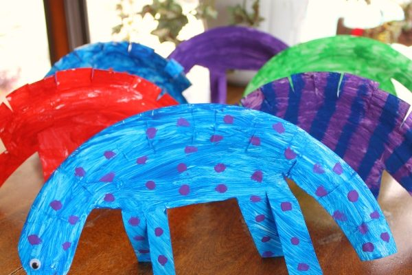 Paper Plate Dinosaur Craft Inspired by Gigantosaurus!