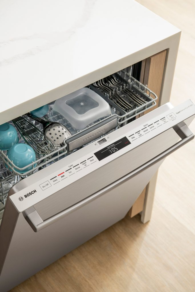 Bosch 800 Series Dishwasher with CrystalDry™ Technology