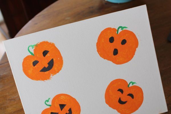 Pumpkin Stamping Craft for Fall!